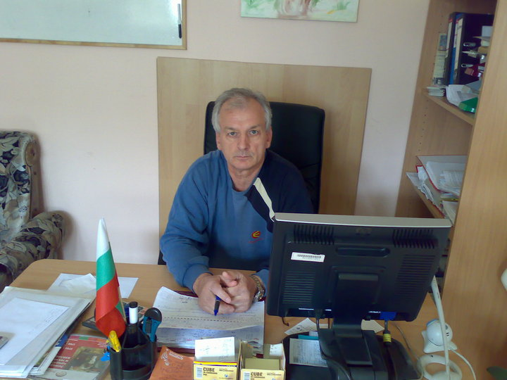 български автор